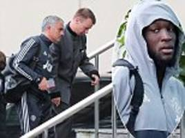 Manchester United arrive back at Lowry Hotel
