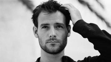 listen: roo panes - 'a message to myself'