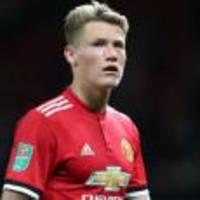 Scott McTominay signs new Manchester United contract