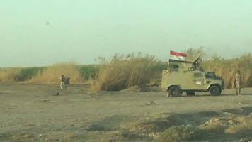 under fire in iraq: a camera crew's view of a warzone