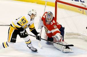 After strong 1st period Panthers lose to Penguins giving up 4 goals