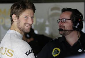 haas f1 tussling in middle of pack in second season