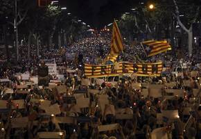 Spain plans poll in Catalonia to end independence bid