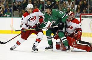pitlick scores 2, stars hold on to beat hurricanes 4-3