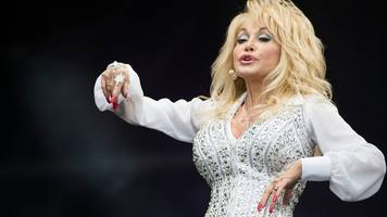 dolly parton's nine-to-five approach to music