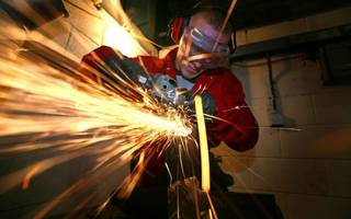 uk gdp growth to edge higher for the third quarter