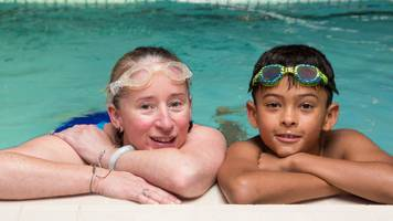 Love Swimming: Swim England initiative encourages families to put gadgets away