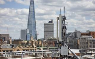 arqiva shuns private sale in favour of raising £1.5bn from london float