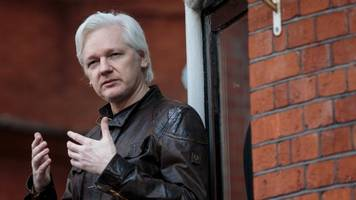 assange confirms trump campaign's data firm approached wikileaks