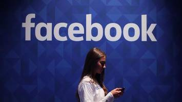 Facebook is tinkering with design changes again, and it's putting people on edge