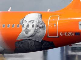 easyjet to buy assets from air berlin