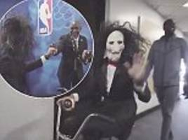 steph curry dresses up as jigsaw from film franchise saw