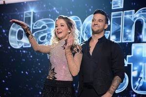 lindsey stirling injured during 'dancing with the stars' rehearsal, may forfeit