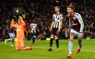 dyche tight-lipped over everton job as burnley beat newcastle
