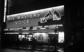 hmv overtakes amazon in fight for dwindling dvd and blu-ray sales