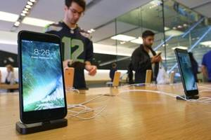 Apple To Dump Qualcomm Chips As iPhone 8 Sales Collapse In China