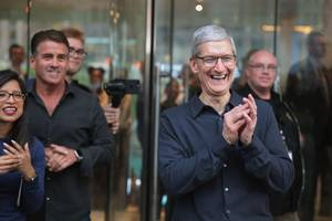 Apple is projecting massive holiday sales of its latest iPhones