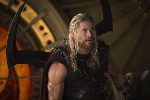 thor: ragnarok thinks superheroes are ridiculous, and that makes it wonderful