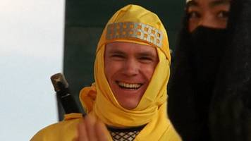 chris froome shows off his ninja skills