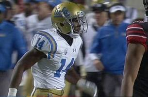 ucla's theo howard makes spectacular one-handed catch against utah