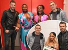 michael carrick and darren fletcher enjoy wwe smackdown