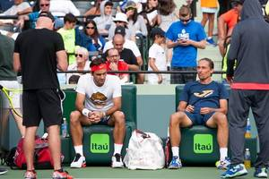 Andy Murray to face Roger Federer in exhibition match on return from hip injury