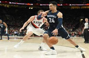 Grizzlies LIVE to Go: Dillon Brooks and the Grizzlies making big defensive plays in the 4th to get the 98-97 win against the Trail Blazers