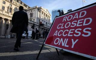 the brexit roadblock is causing a laissez-faire crisis of government