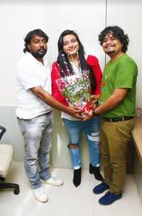Swati Sharma of 'Banno Tera Swagger' Fame Launches her New Song 'Sexy Barbie Girl'