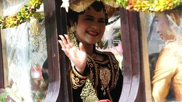 Indonesia's first daughter in a lavish Javanese wedding