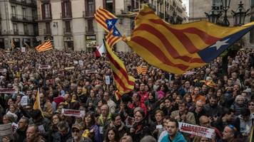 spain voids catalonia's independence declaration amid protests