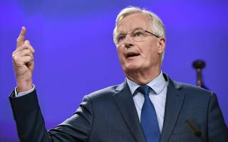 barnier: there is no middle way on single market