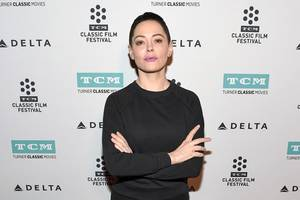 Rose McGowan Rips 'Industry Faux-Shock' Over Louis C.K. Sexual Misconduct