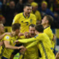 Sweden beat toothless Italy