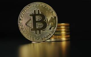 debate: is bitcoin a better investment than gold?