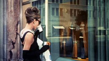 Breakfast at Tiffany's: New York jewellery store opens cafe