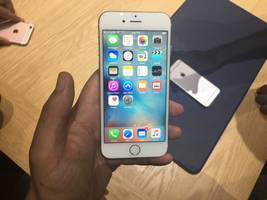 I upgraded from the iPhone 6s to the iPhone X and I'm so glad I did (AAPL)