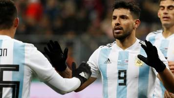 aguero heads winner for argentina in moscow