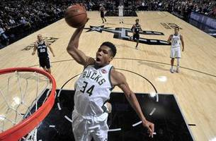 Giannis powers Bucks past Spurs in Bledsoe's debut