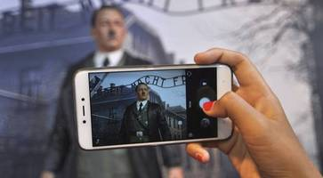Museum removes waxwork Hitler display after protests