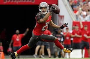 buccaneers snap out of 5-game losing streak with home win over jets