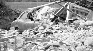 gardai in ira ambush that left one dead are honoured for bravery, 41 years later