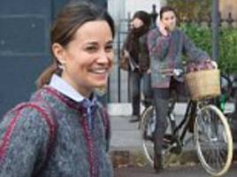 Pippa Middleton goes makeup-free in Chelsea