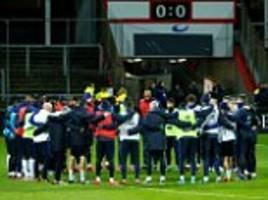france hold minute's silence for paris terror victims