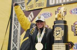 Brittany Force wins Top Fuel final and championship at Pomona | 2017 NHRA DRAG RACING