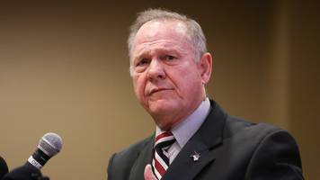 Top Republican backs candidate Roy Moore's accusers