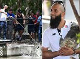 England stars Moeen Ali and Alastair Cook visit the zoo
