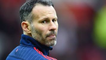 ryan giggs: ex-man utd winger to sign deal with vietnamese academy