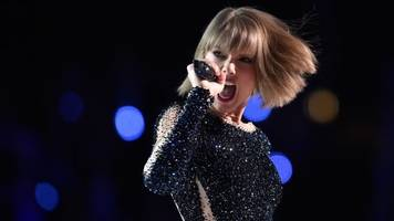 Music Is A Business, And Taylor Swift Shows Us How It's Done