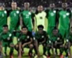 EXTRA TIME: Super Eagles pose with World Cup trophy